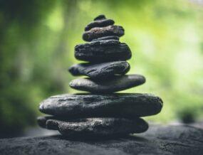 monticule pierres zen
